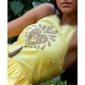 Detalle vestido bordado verano chill boho chic amarillo