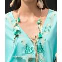 Detalle cordones de gafas con borlas jade